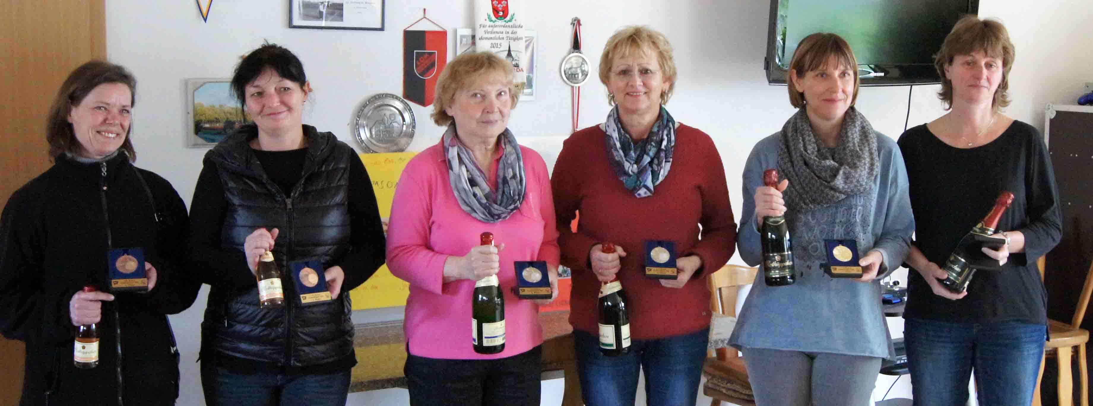v.l.n.r.: Elke Griger und Kerstin Griger (Dresden), Marlies Wille und Gudrun Babinsky (Elsterwerda) sowie Katrin Rakette und Antje Weber (Halle)